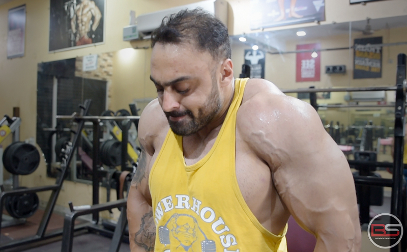 Get  Strong  and  Big  Like  Kirat  Lakhyan  –  Shoulder  Workout,  The  Old  School  Way!