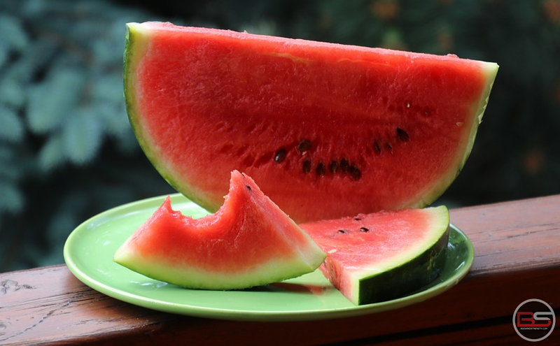 Summer's Super-fruit Watermelon: Complete Nutrition and Recipes
