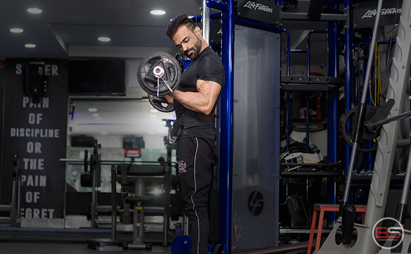 Bulk Up Your Biceps and Triceps with These Super Supersets